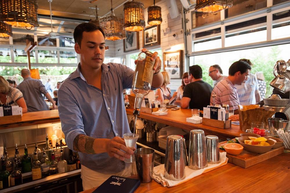 bartaco bartender preparing drink
